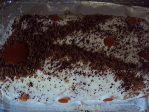 كعكة ماوس الفانيليا و شكولاتة بيضاء المحشوا بالفواكه المعلبة  Dietsolaki_1016