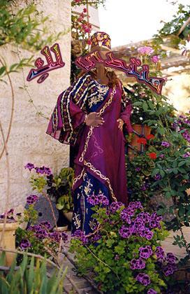 مجموعة من عبايات الاستقبال حلوة كتير