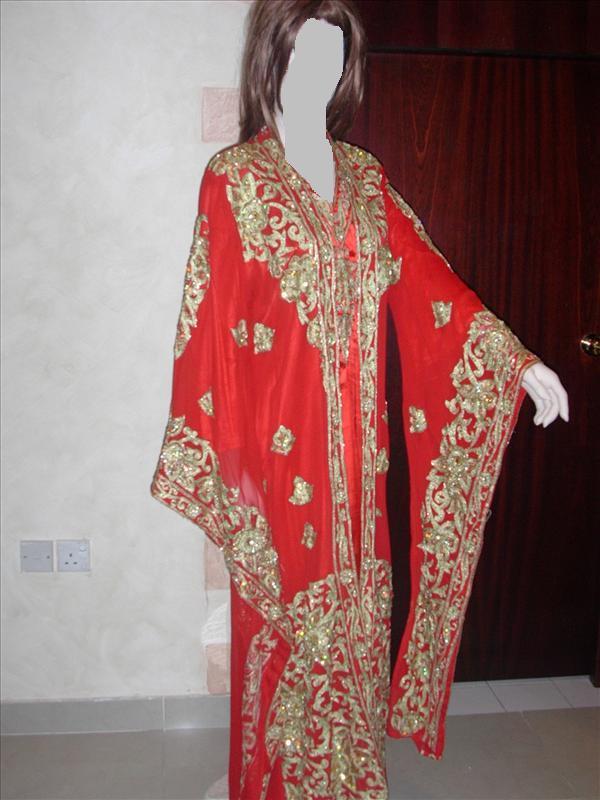 ملابس المرأة الشعبيه في البحرين summer_81581_0124009