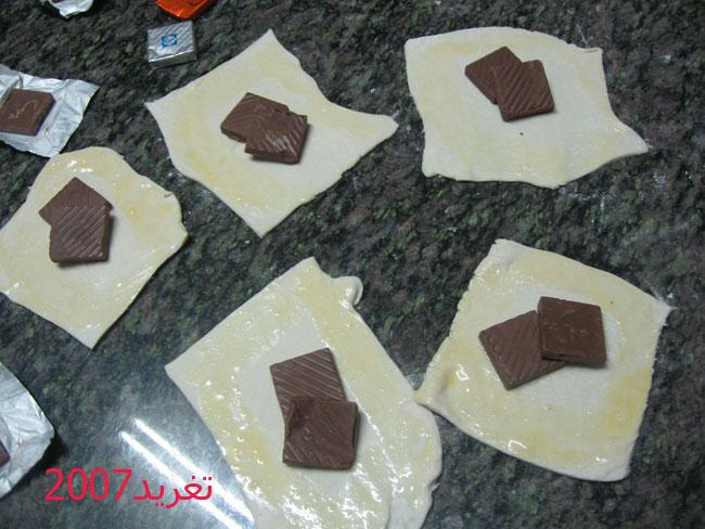 شوكولاته من نفس النوع 4 ملاعق كبار كريما الخفق الطريقه